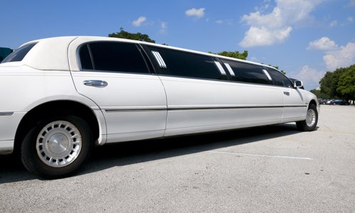 Call us for limousine reservations in Oahu
