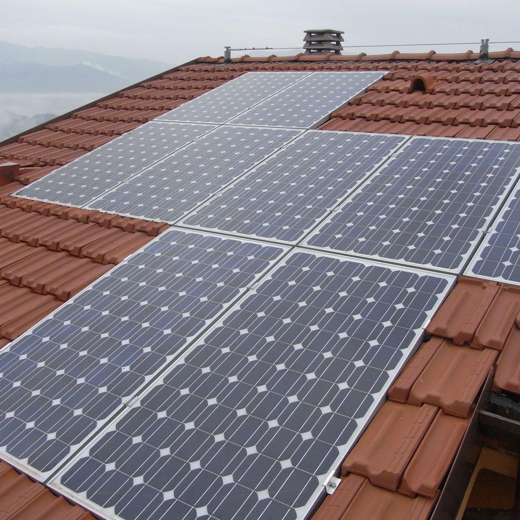 risparmio energetico Impianti fotovoltaici integrati nel manto di copertura