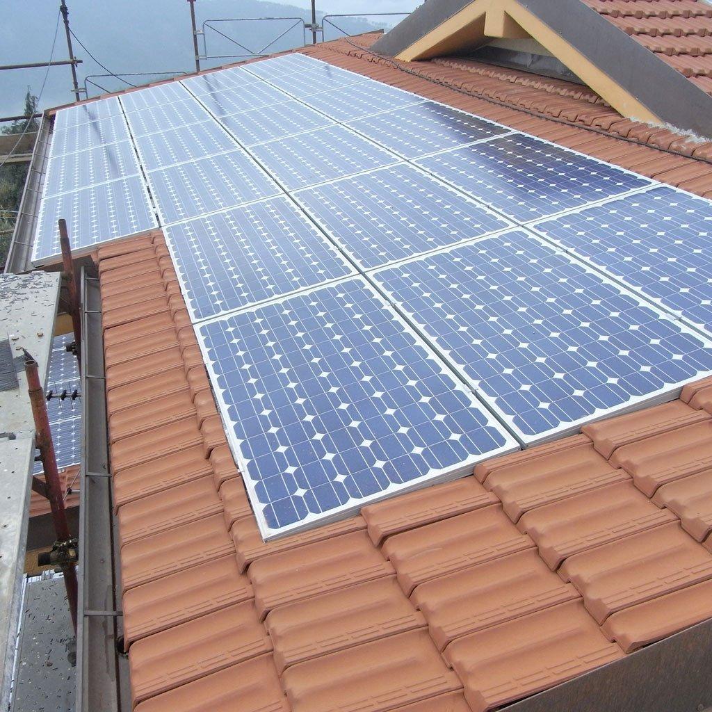 Impianti fotovoltaici integrati tetti tegole Elettrosistemi La Spezia
