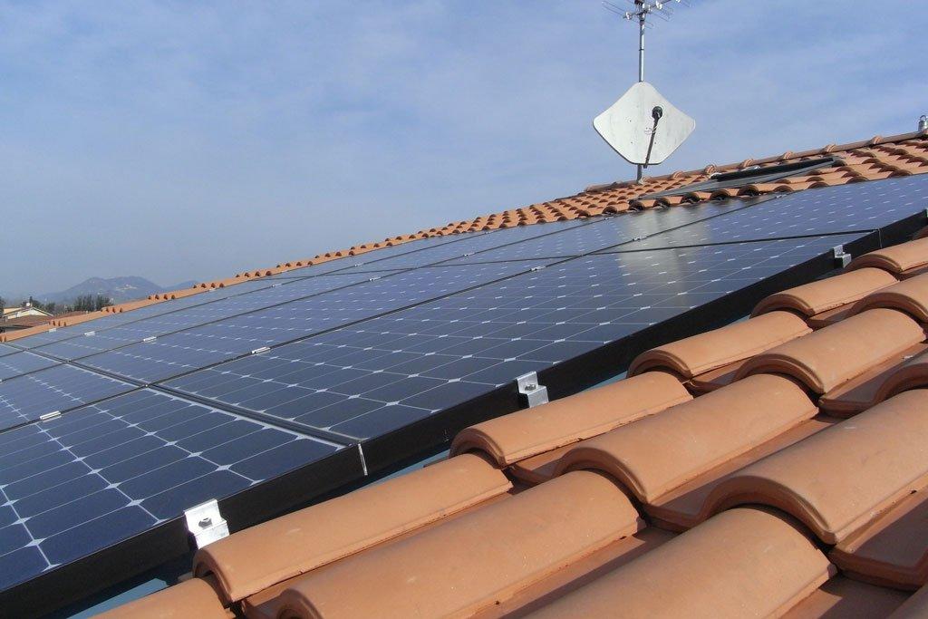 posa Impianti fotovoltaici integrati Elettrosistemi La Spezia