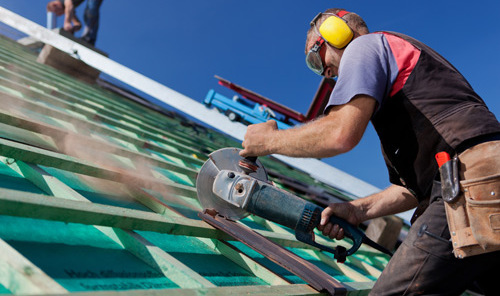 Professionals providing commercial roofing in Covington