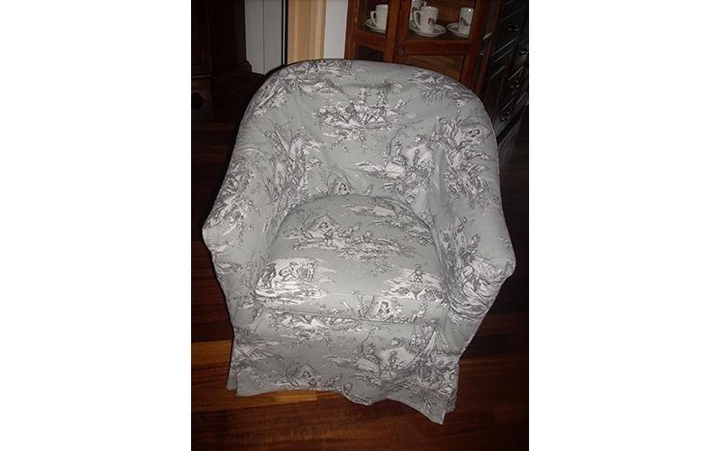 sedia con rivestimento in tessuto