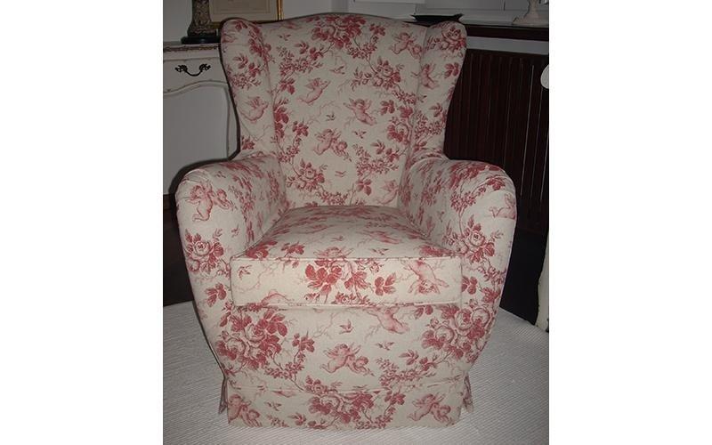 sedia rivestita con tessuto a fiori