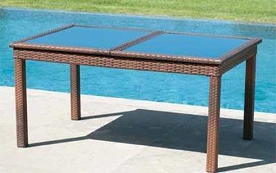 tavolo da esterno marrone
