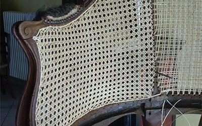 schienale impagliato di un divano