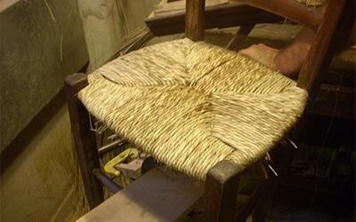 sedia con impagliatura intrecciata