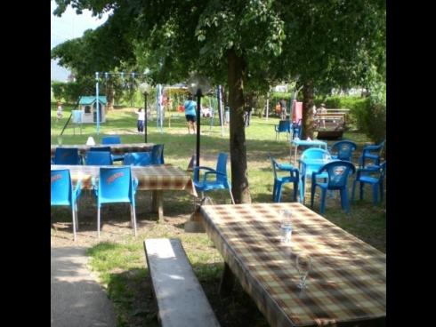 pizzeria giardino esterno