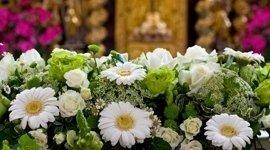 Composizione funebre floreale