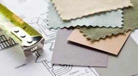 campioni di tessuto per tende, metro a rullo, piantina della casa