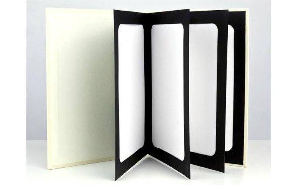 quaderno portafoto appoggiato verticalmente