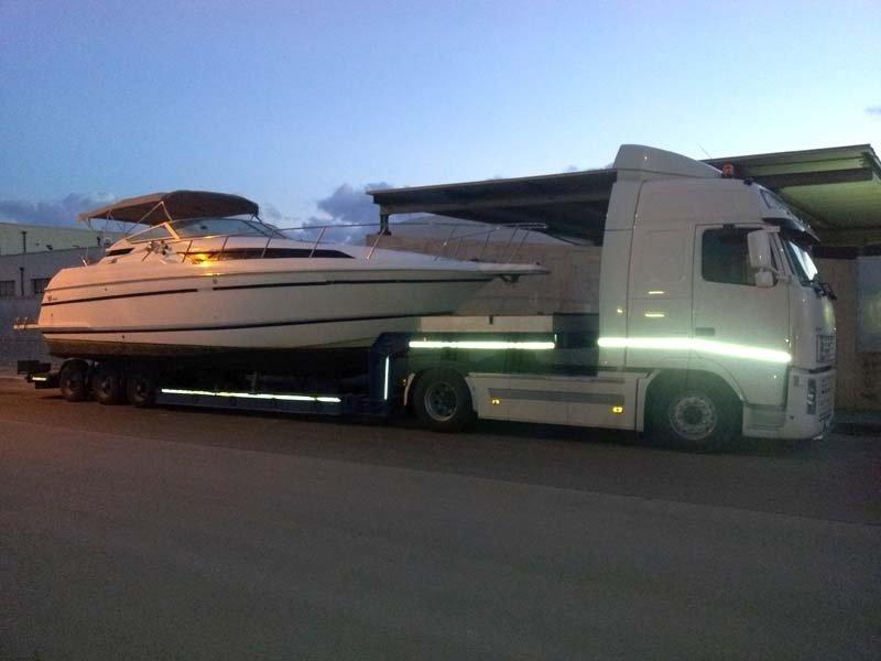 Trasporti yacht la notte