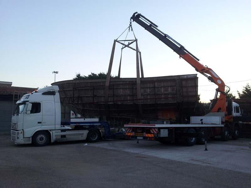 Trasporti nave in costruzione