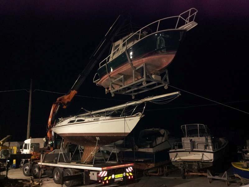 Trasporti barca la notte