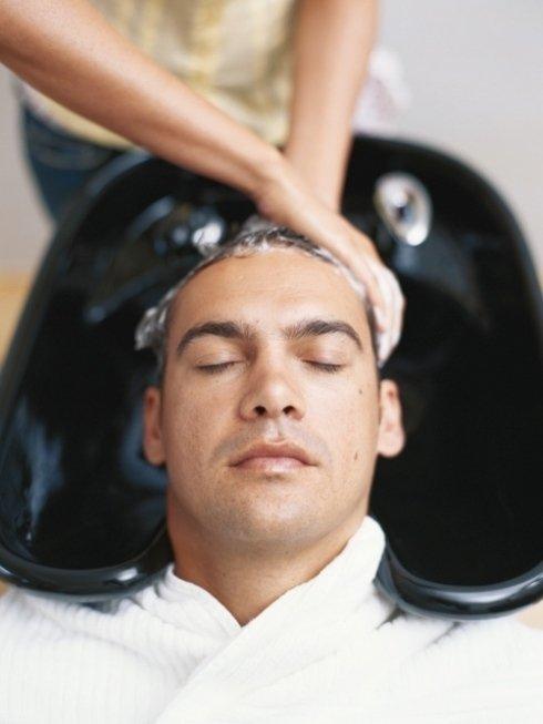 Il nostro personale segue ogni cliente con cura e passione, offrendo consulenze tricologiche e proponendo trattamenti per la cura dei capelli.