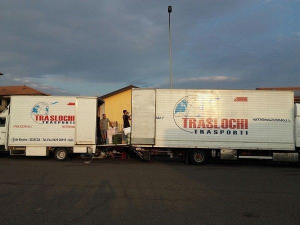 due camion per traslochi a Sciacca, Agrigento