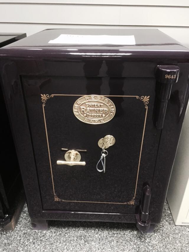 black coloured locker