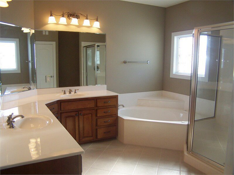 Bathroom remodeling contractor louisville ky for Bath remodel contractors