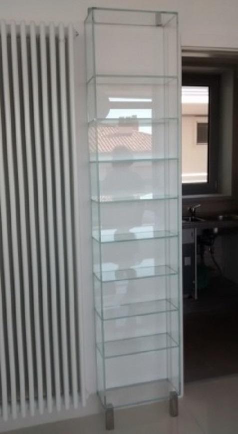 Libreria in cristallo