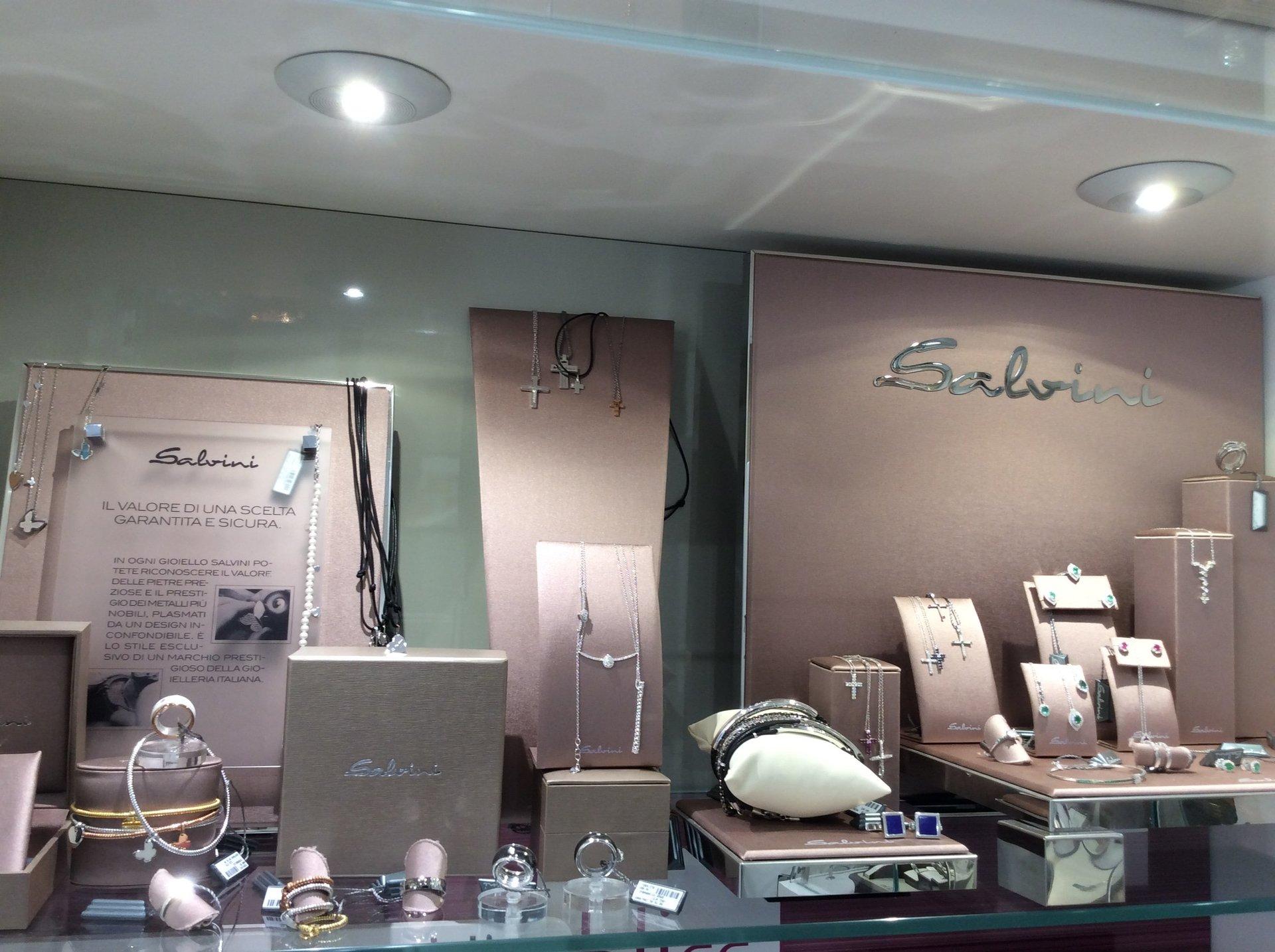 gioielli con diamanti preziosi Salvini