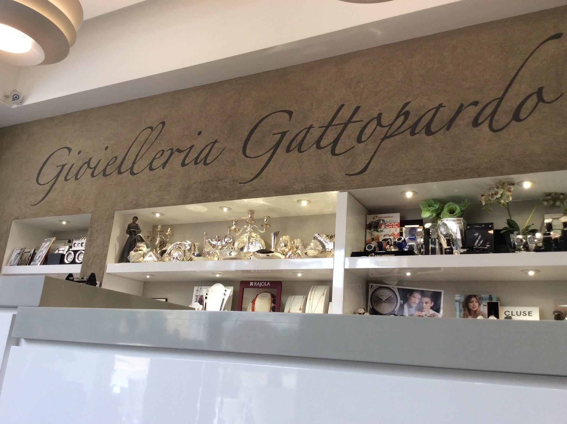 Sala espositiva interna della gioielleria Gattopardo