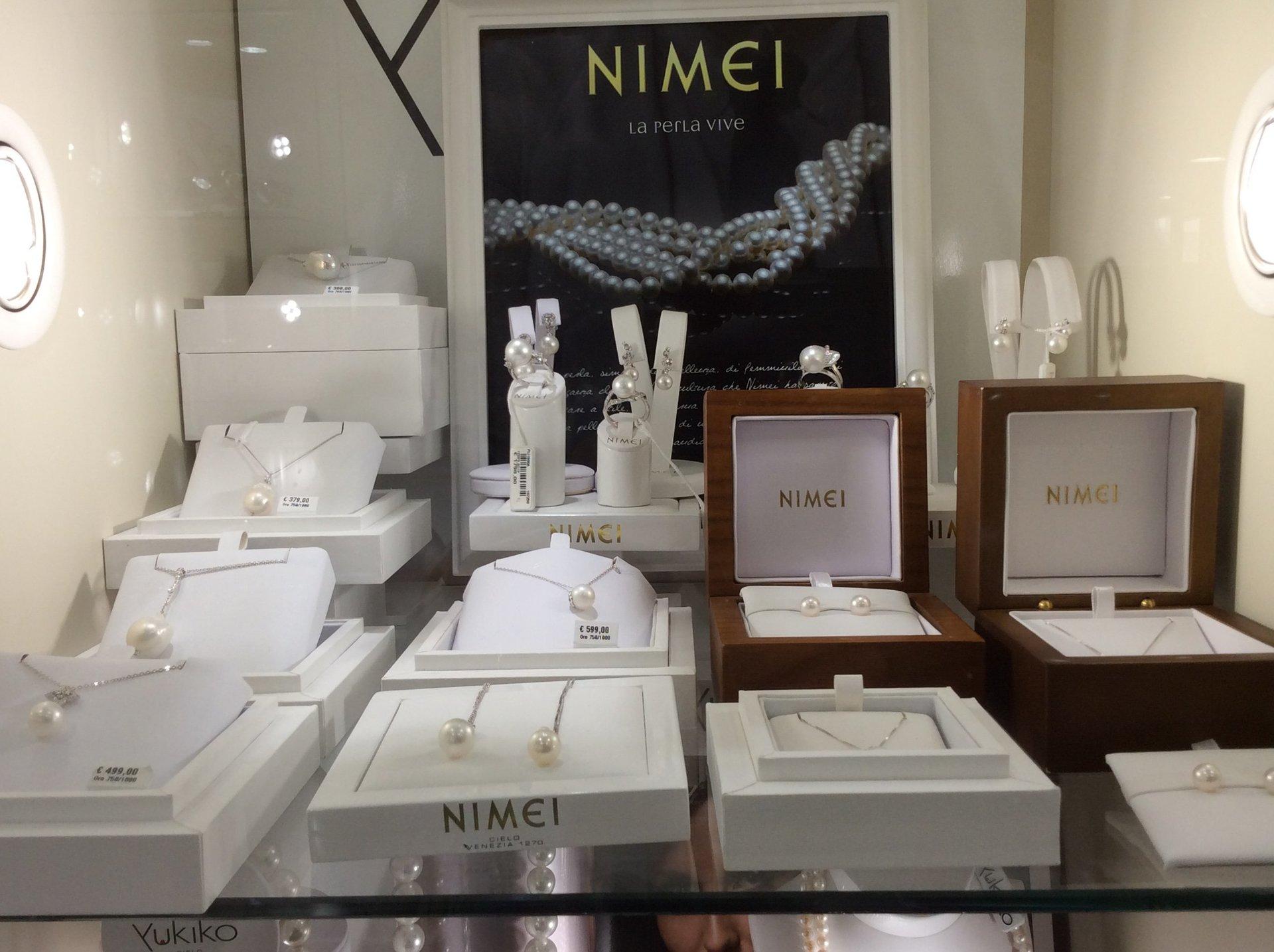 esposizione gioielli Nimei