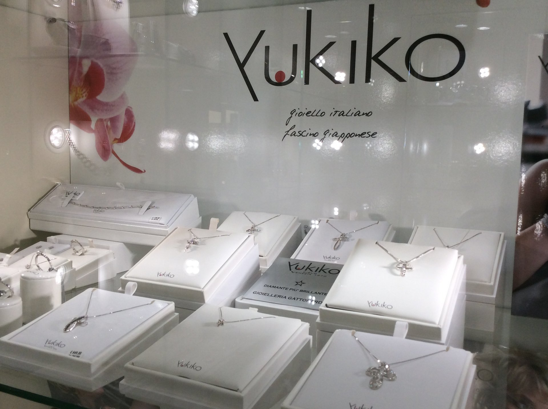 esposizione pendenti Yukiko