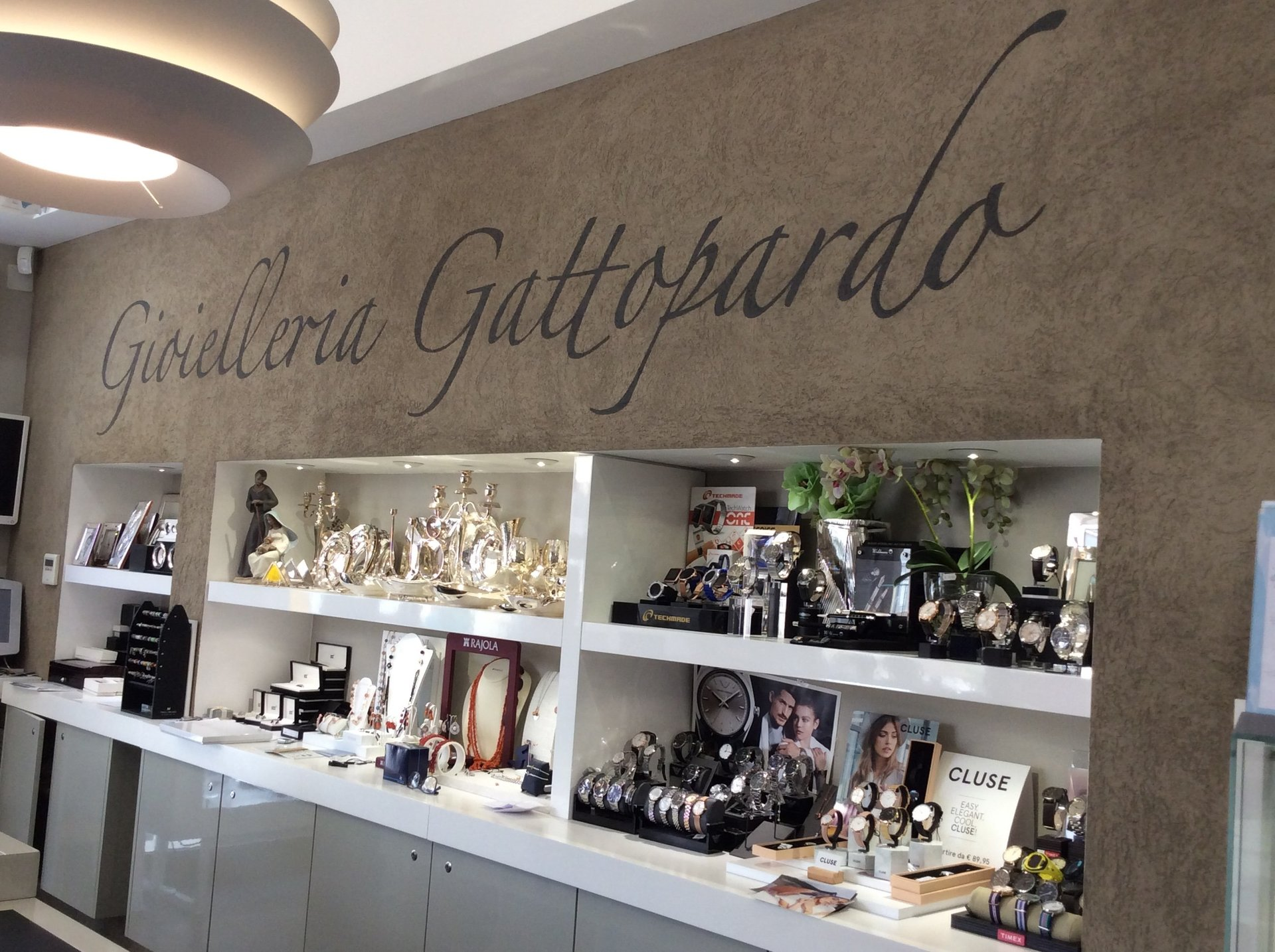 espositori di gioielli e orologi da polso da Gattopardo