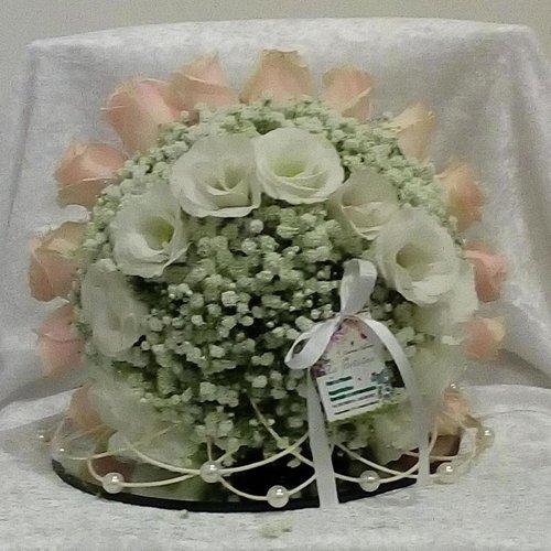 composizione di rose per un occasione speciale
