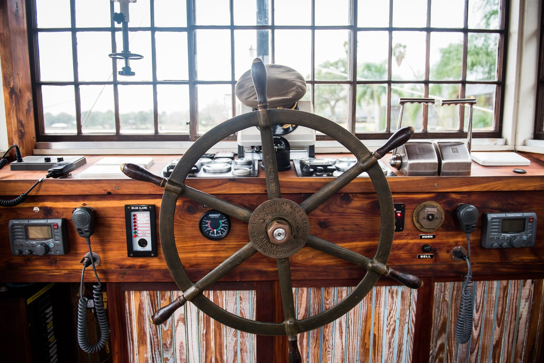 Dido's Restaurant Yellowstone Paddlewheeler ship's wheel