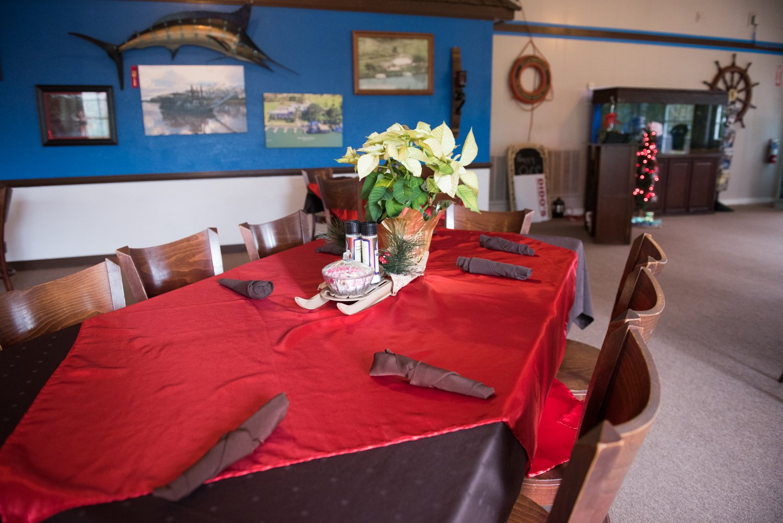 Dido's Restaurant Yellowstone Paddlewheeler dining seating