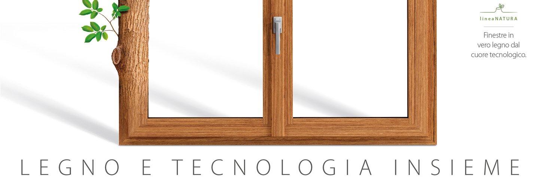 finestra in vetro legno dal cuore tecnologico
