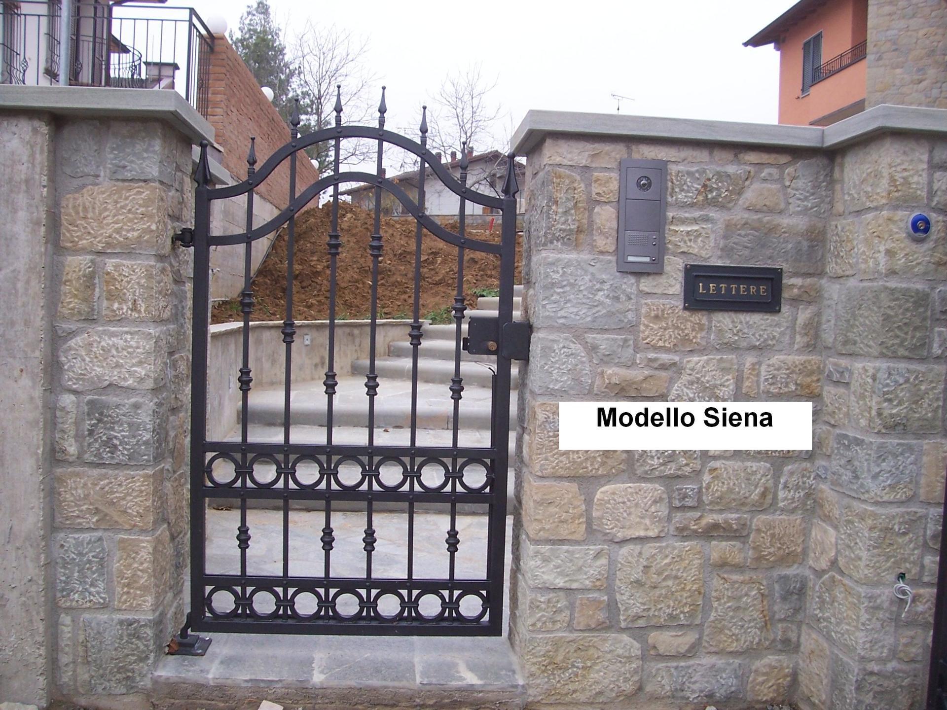 Cancello con parte in pietra Modello Siena