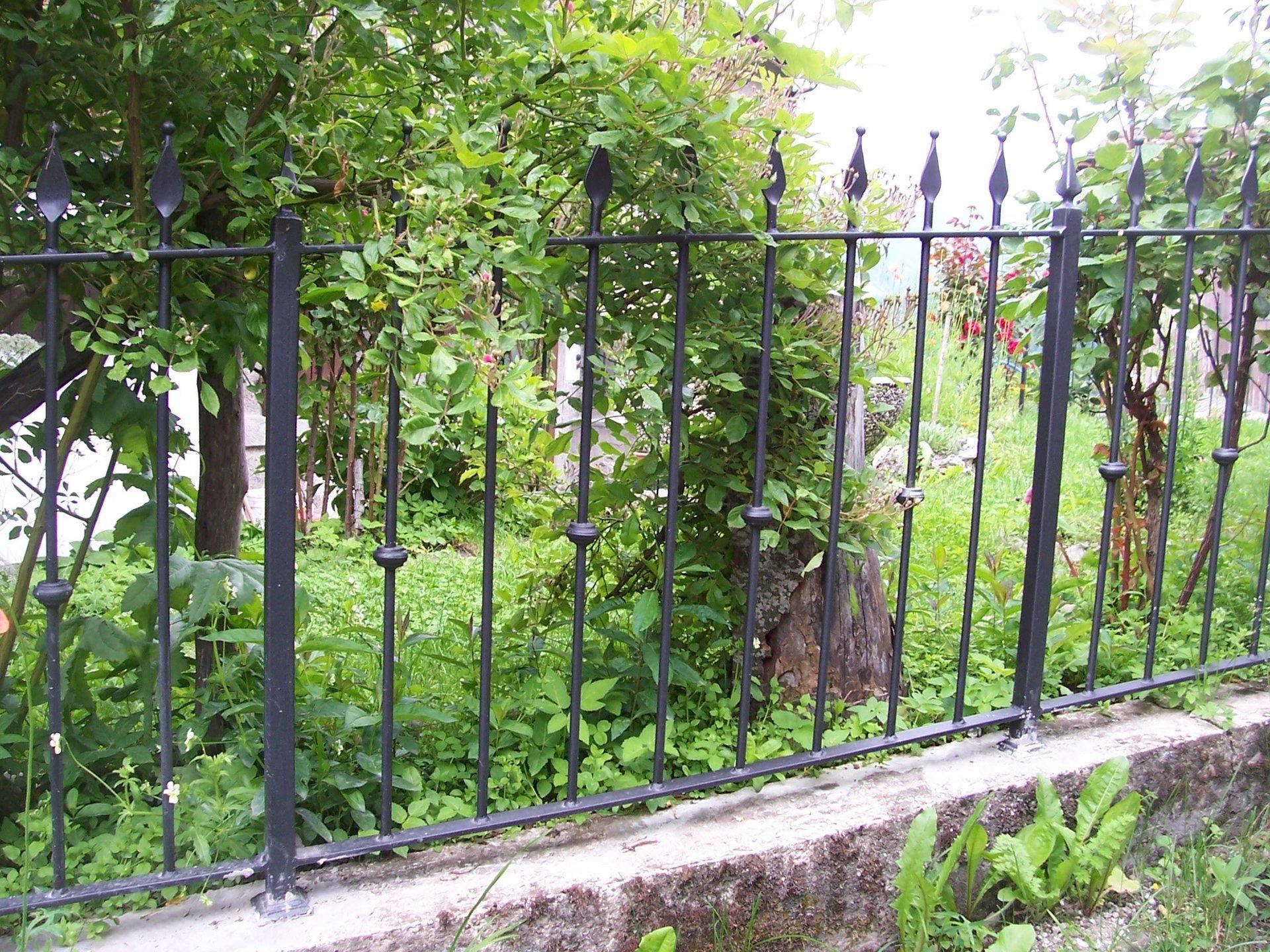 Ringhiera in ferro per giardino