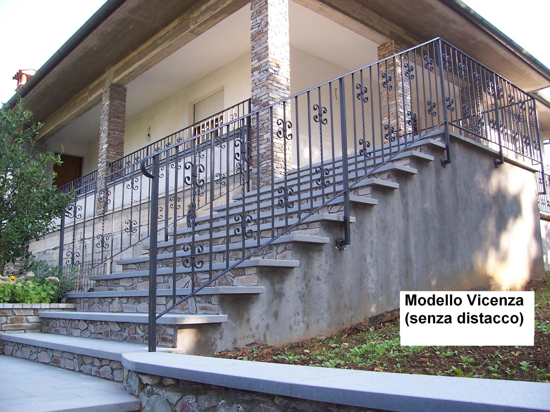 Ringhiera in scala di una casa Modello Vicenza