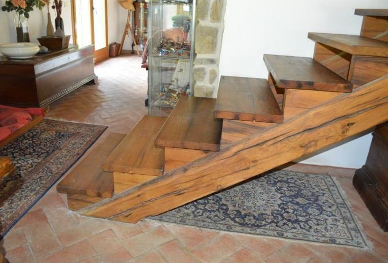 Scale in legno massello