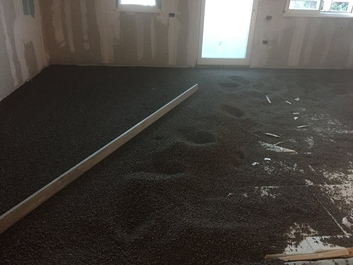 il sottofondo con argilla espansa e un sottofondo alleggerito isolante termico adatto a ricevere la posa di pannelli radianti