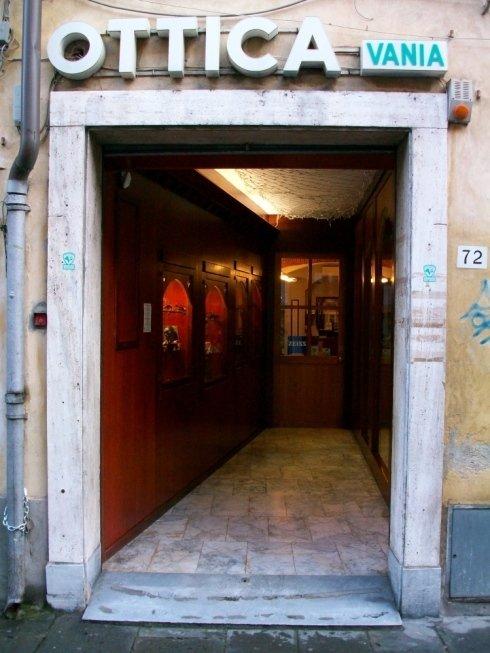 ingresso negozio ottica