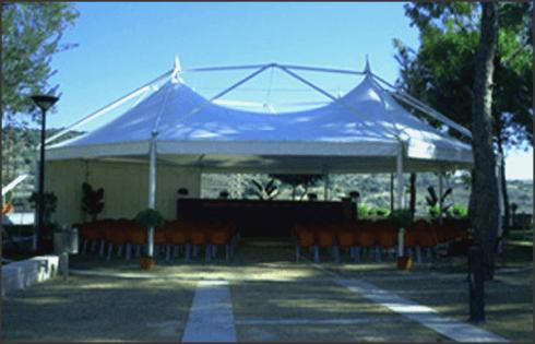 Etna Allestimenti installa strutture ampie per meeting e manifestazioni
