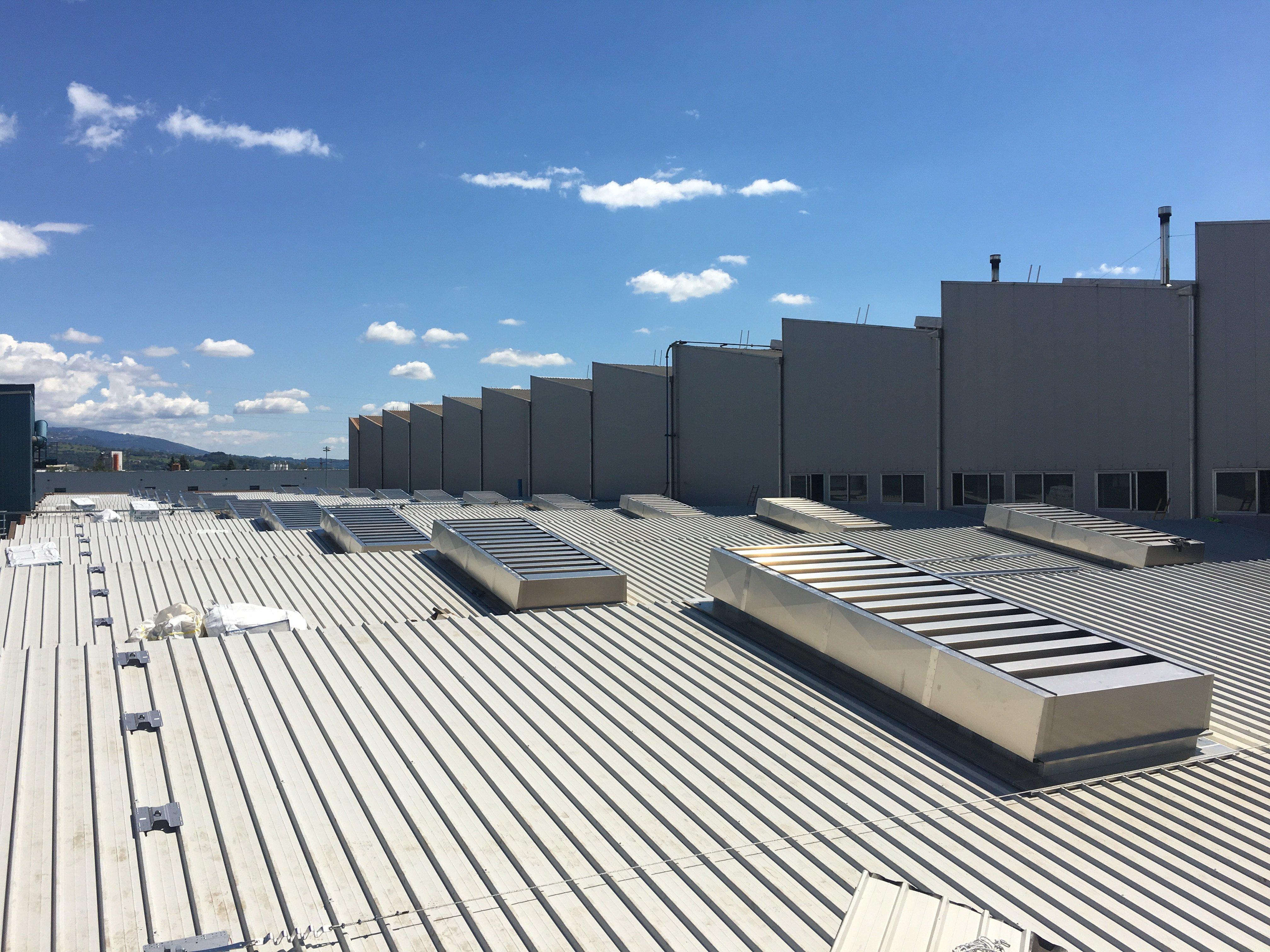 copertura industriale e prese d'aria