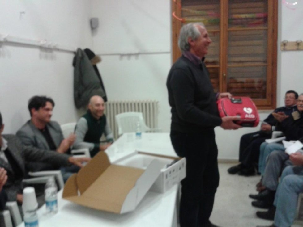Donazione defibrillatore al Centro Anziani Borgo Faiti