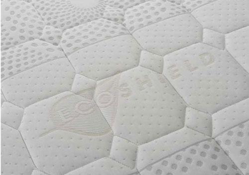 un materasso con scritto Eco Shield