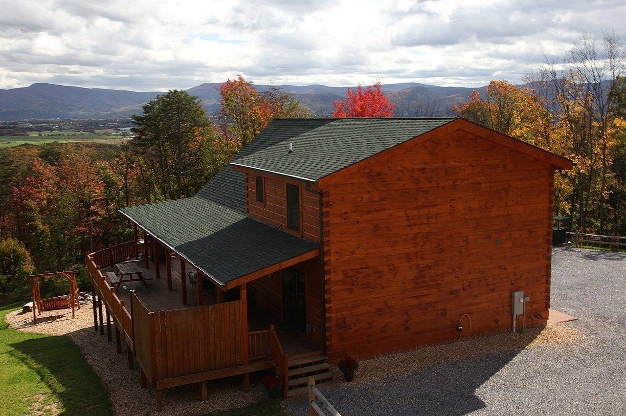 Hawksbill retreat ape cabin 2 shenandoah valley luray va for Log cabins in shenandoah valley
