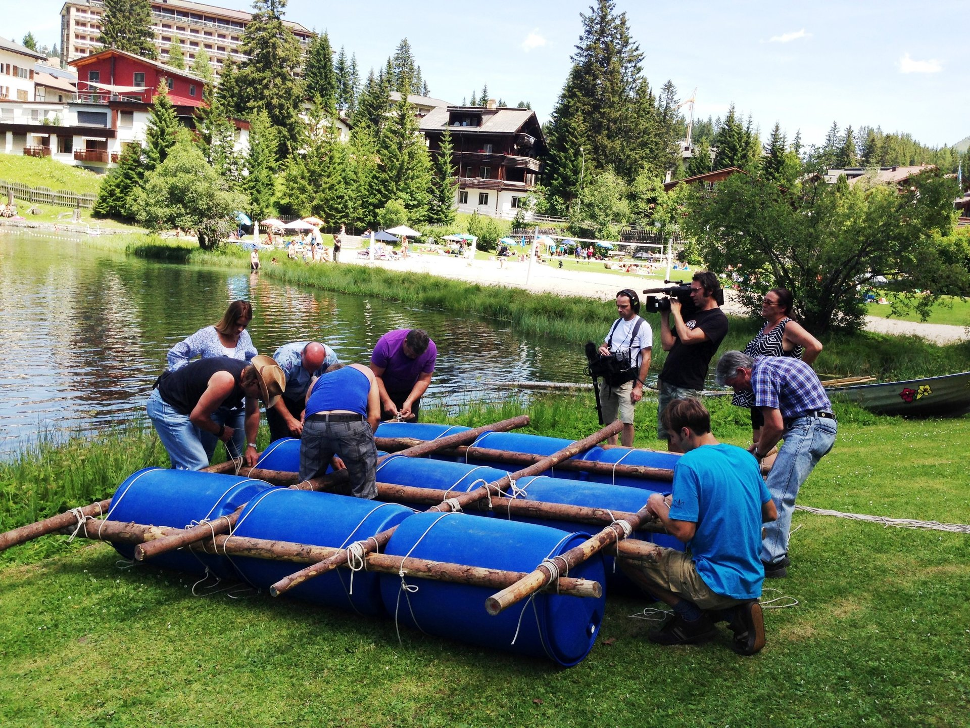 flossbau, floss bauen: sommer teamevent, teambuilding, firmenevent