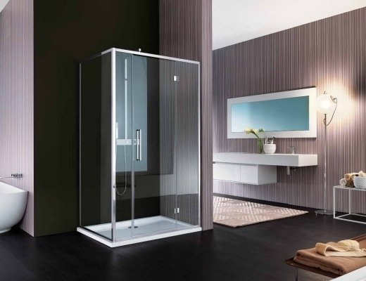 Esempio di box doccia angolare