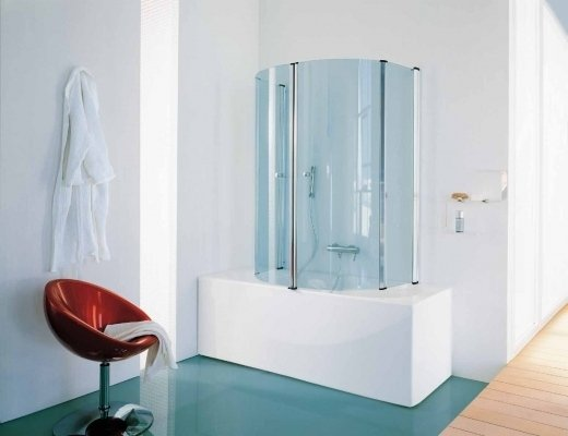 Esempio di box doccia con vasca