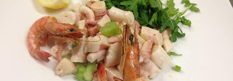 insalata di mare con gamberi