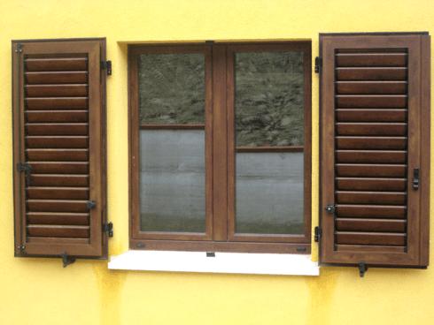 finestre di legno-alluminio