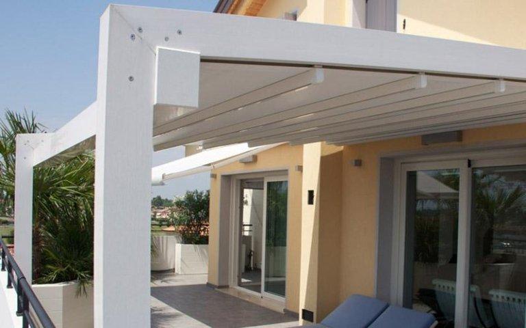 pergolati in alluminio con copertura