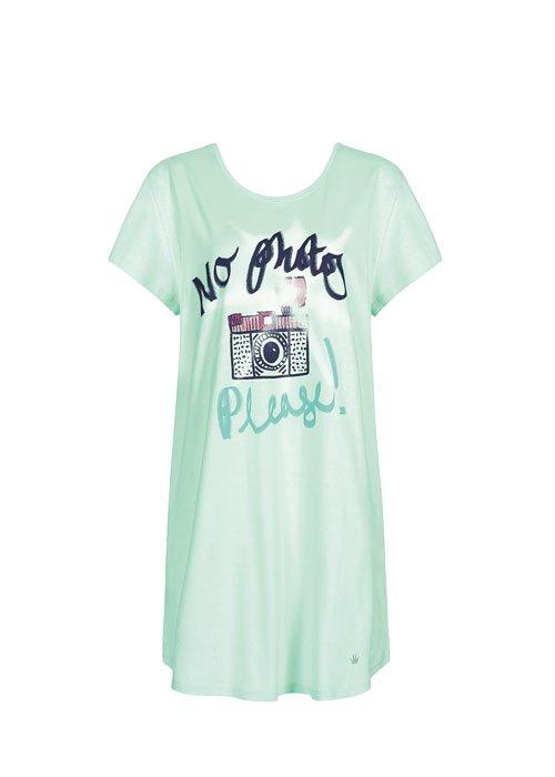un pigiama di color verde chiaro