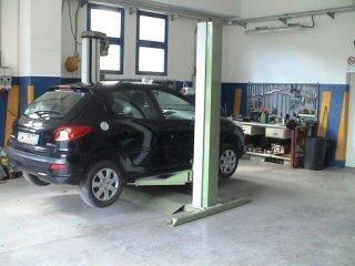 auto nera - Parking Car & Yacht Service - Marciana Marina (LI)